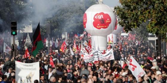 Protesta di piazza contro la riforma del lavoro di Macron