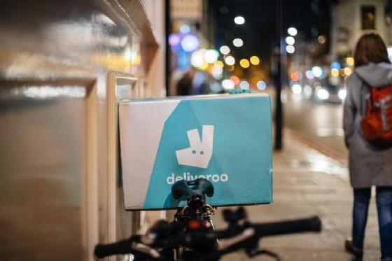 Altroché crisi, il food delivery cresce, Deliveroo: «Dai noi i rider cercano flessibilità»