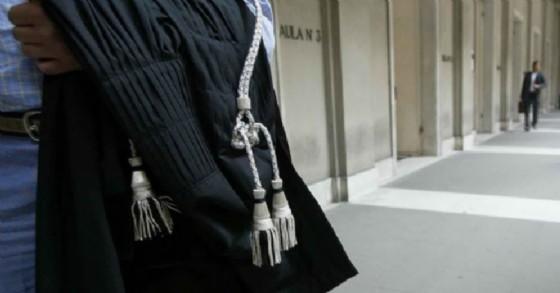 Avvocato radiato dall'Ordine esercita sotto falso nome: condannato a 4 anni