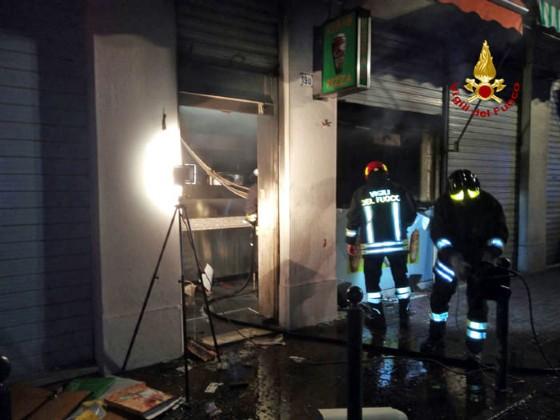 Vigili del Fuoco al lavoro in via Piave a Mestre