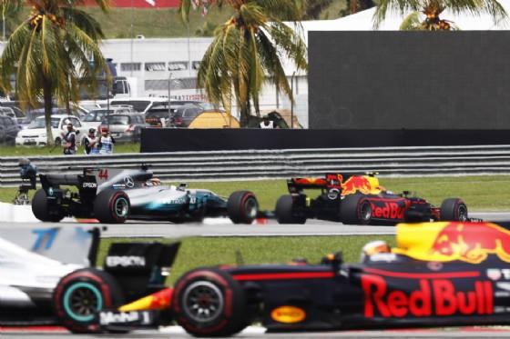Formula 1 Giappone: ancora Luna nera Ferrari, Raikkonen ritardato da un incidente