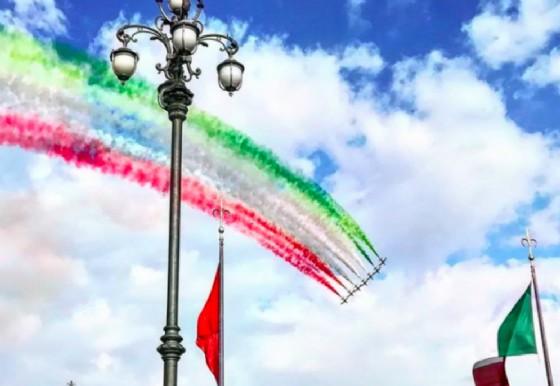 Show delle Frecce Tricolori (© Instagram)