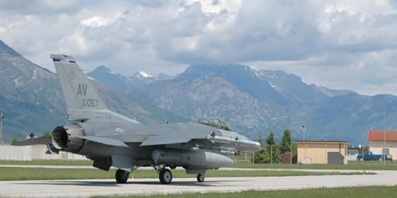 Frattolin, sul boato provocato da F-16 USA fare piena luce (© Movimento 5 Stelle)
