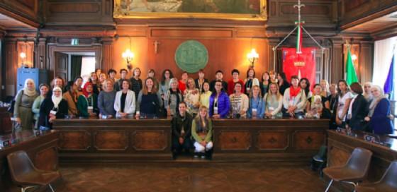 Le cinquanta signore in Municipio
