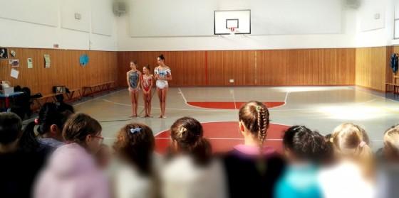 Dopo essere salite 'in cattedra', le atlete Asu  sono impegnate nel 'Torneo internazionale di Ginnastica Ritmica' (© Asu)