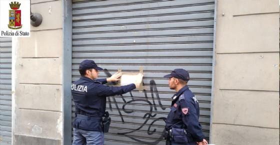 Sospesa la licenza a un esercizio di vicinato di via Lauro Rossi (© Polizia di Stato)
