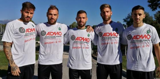 Alcuni giocatori del Pordenone Calcio, da sinistra: Lulli, Stefani, Burrai, Bassoli e Ciurria (© Pordenone Calcio)
