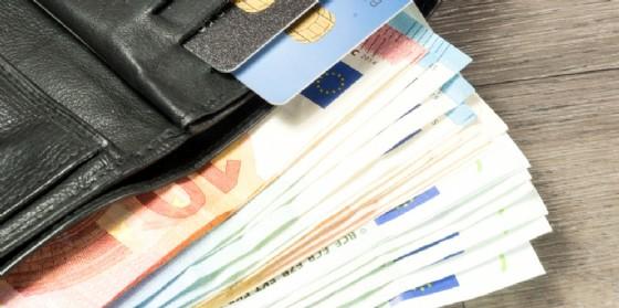 Trovano un portafogli con 20 mila euro e lo restituiscono: il bel gesto di due 14enni (© Stock Adobe)