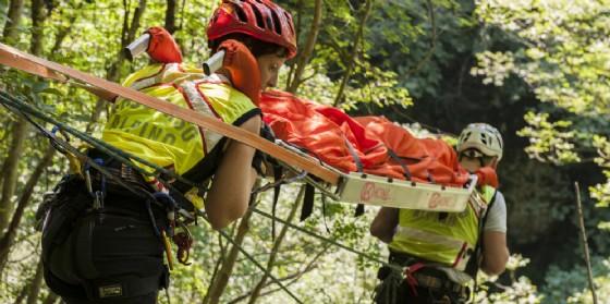 Anziano precipita per 15 metri in un dirupo. E' successo ad Ampezzo (© Cnsas Fvg)