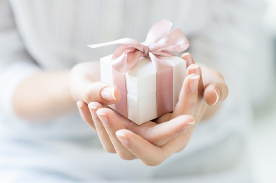 Le donne sono più generose degli uomini