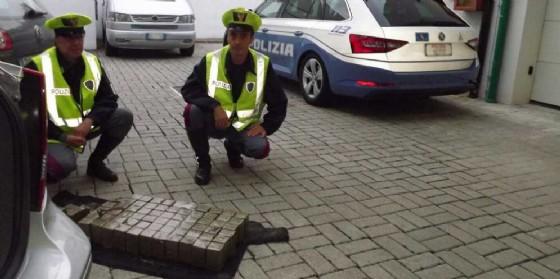 Palmanova, scoperti 34,6 kg di hashish occultati in un'auto (© G.G.)