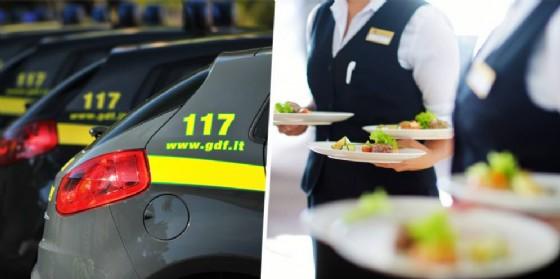 Guardia di Finanza e lavoratori nel settore della ristorazione (© Diario di Biella)