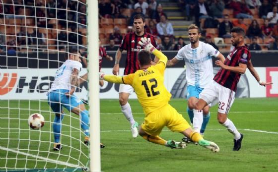 Musacchio segna contro il Rijeka sotto gli occhi di Romagnoli