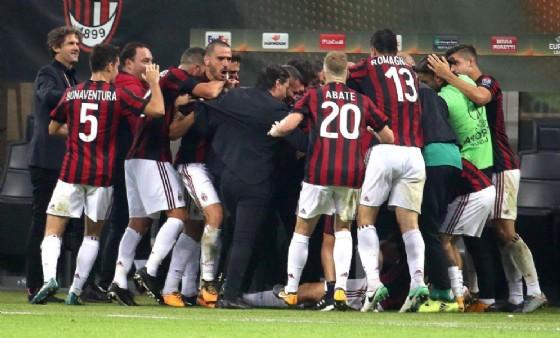 Un momento di gioia dei calciatori del Milan