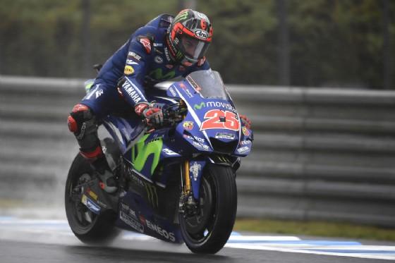 Maverick Vinales sulla Yamaha nelle prove libere bagnate del GP del Giappone