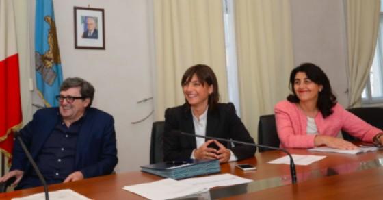 Maurizio Castagna, Debora Serracchiani, Mariagrazia Santoro (© Regione Friuli Venezia Giulia)