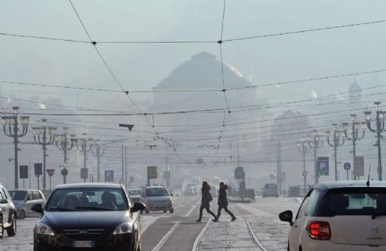 Allarme smog a Torino, in arrivo il semaforo viola (© ANSA)