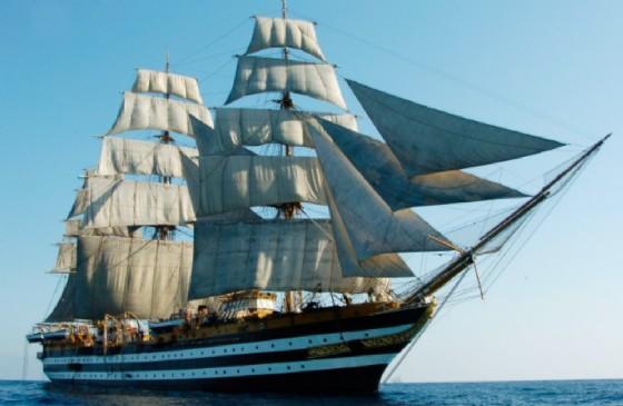 L'Amerigo Vespucci torna a Trieste