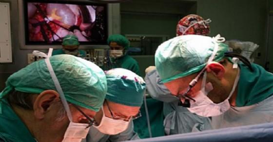 Porta avanti gravidanza con melanoma oculare, lei ed il feto sono salvi