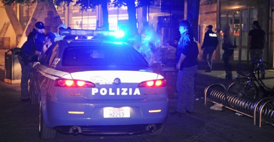 La polizia è intervenuta in piazza Montanaro (© Questura)