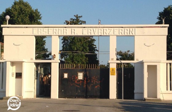 Doppio presidio in città contro l'accoglienza alla Cavarzerani (© Diario di Udine)