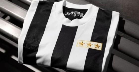 La maglia celebrativa della Juventus