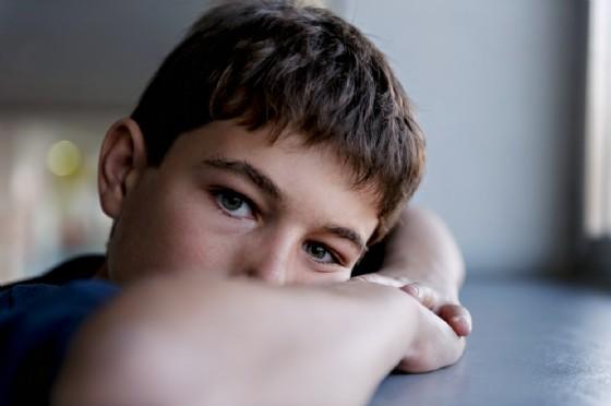 Bambino autistico non viene invitato alle feste, sfogo del padre sui social
