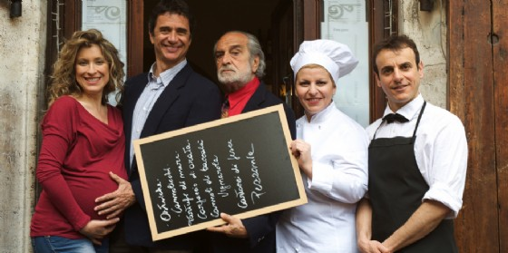 'La cena perfetta' sul palco del Bobbio la nuova produzione della Contrada (© La Contrada)