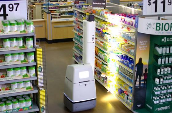 Walmart testa robot per scansionare gli scaffali, ma garantisce: «Non sostituiranno l'uomo»