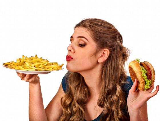 Mangiare velocemente fa male alla salute