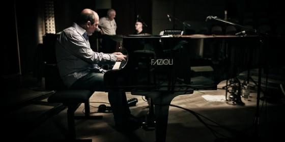 """A """"Il Volo del Jazz"""" la proiezione del film-concerto """"Piani Paralleli"""" sul pianista Gianni Mazzarino"""