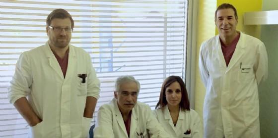 L'équipe dell'Oncologia Chirurgica Generale del Cro, da sinistra: Matteo Olivieri, Giulio Bertola (Direttore), Stefania Basso e Claudio Belluco (© Istituto Nazionale Tumori Irccs Cro Aviano)