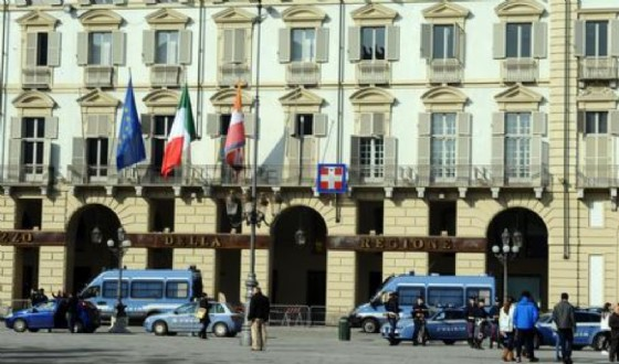 La Regione in piazza Castello (© ANSA)