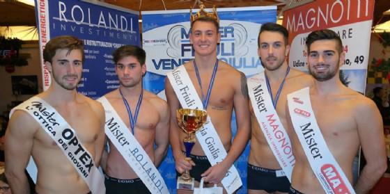 Angelo Clede, Mister Fvg 2016 e il gruppo di vincitori del 2016 (© Agenzia Astol Models)