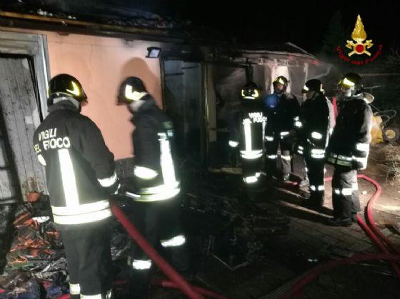 Altro momento dell'intervento dei vigili del fuoco