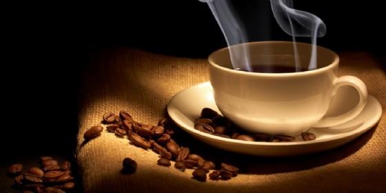 Il caffè presenterebbe un'azione di stimolazione molto più elevata a livello dell'apparato digerente