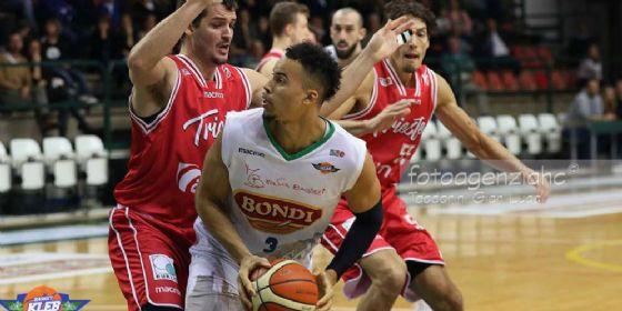 La capolista Trieste non si ferma nemmeno a Ferrara (© Fb Basket Ferrara)