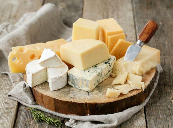 Il formaggio riduce il rischio di infarto e ictus