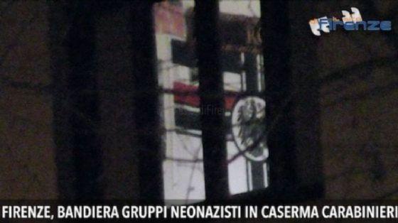 Firenze, carabiniere espone bandiera del Reich in caserma: