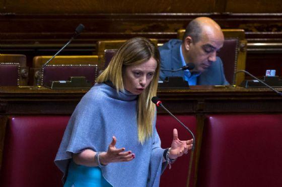 Giorgia Meloni in aula durante l'esame del ddl sul testamento biologico alla Camera dei Deputati
