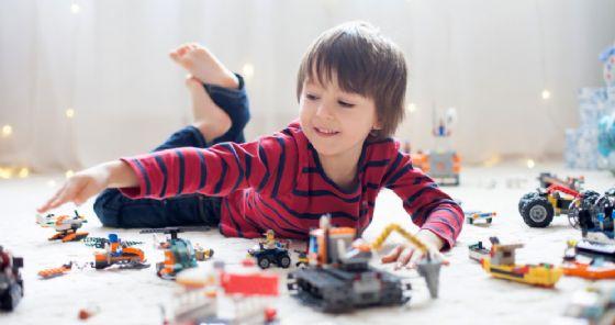 Troppi giocattoli fanno mali ai bambini