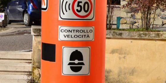Tavagnacco: in arrivo le 'famigerate' colonnine color arancione (© G.H.)
