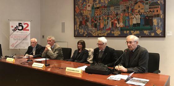 Debora Serracchiani (Presidente Regione Friuli Venezia Giulia) con Fulvio Salimbeni (Presidente Istituto per gli incontri culturali Mitteleuropei - ICM) e Giulio Maria Chiodi (Università Insubria) (© Foto Massimo Duca)