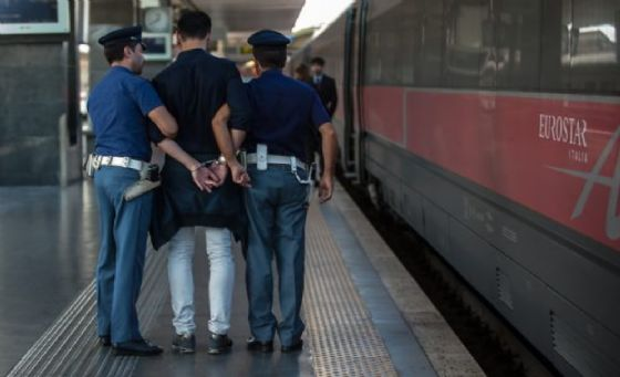 La Polfer di Tarvisio ferma un uomo diretto in Austria: era ripetutamente evaso dai domiciliari