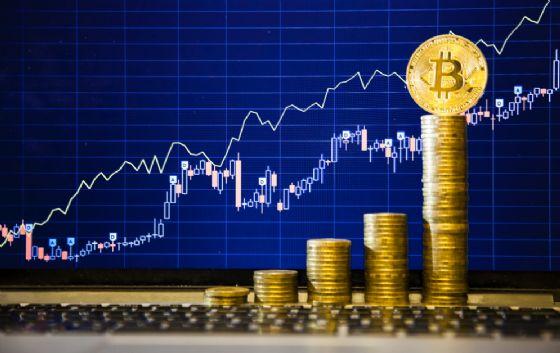Perchè Bitcoin ha superato oggi i 12mila dollari