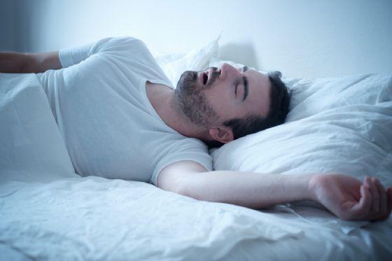 Il sonno agitato potrebbe rappresentare la fase iniziale del morbo di Parkinson