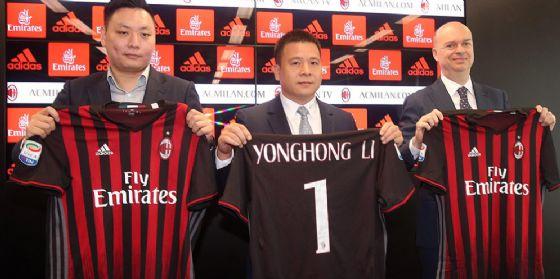 Il trio di governo del Milan: Han Li, Yonghong Li e Marco Fassone