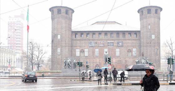 Neve fino alle 21 a Torino