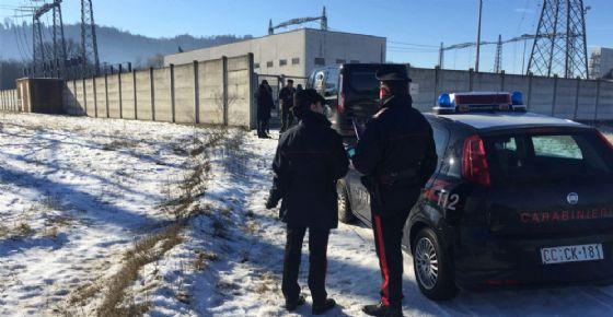 Il cadavere dell'uomo è stato ritrovato da un passante che ha immediatamente avvisato i carabinieri