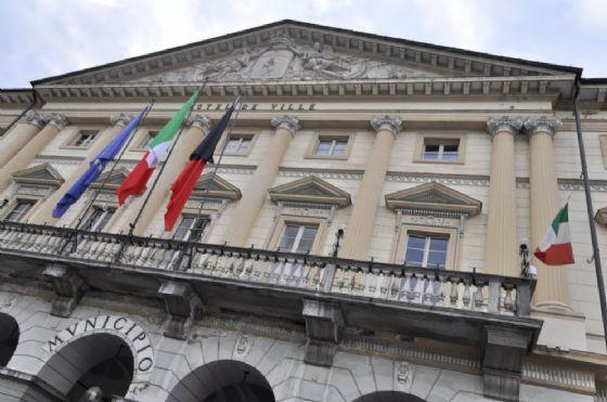 Milano, la mozione antifascista arriva in Consiglio comunale ed è bagarre